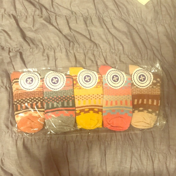 Buttons and Pleats Women's Wool Socks (5 pair!) NWT